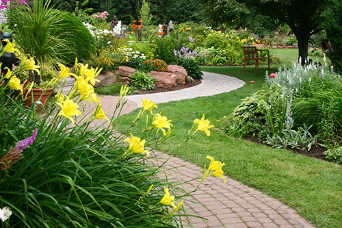 Enhance Your Landscape With a Beautifully Designed Walkway